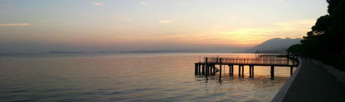 Campeggio Riviera è situato sulla sponda bresciana del lago di Garda